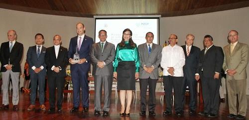 Foto mesa principal entrega Premio Provincial de Santiago 5